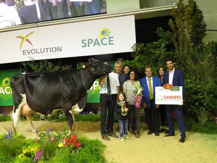 FLY AGLAEE - RESERVE GRANDE CHAMPIONNE SPACE 2017